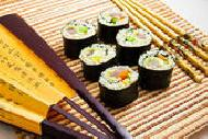 Суши с авокадо и крабовым мясом